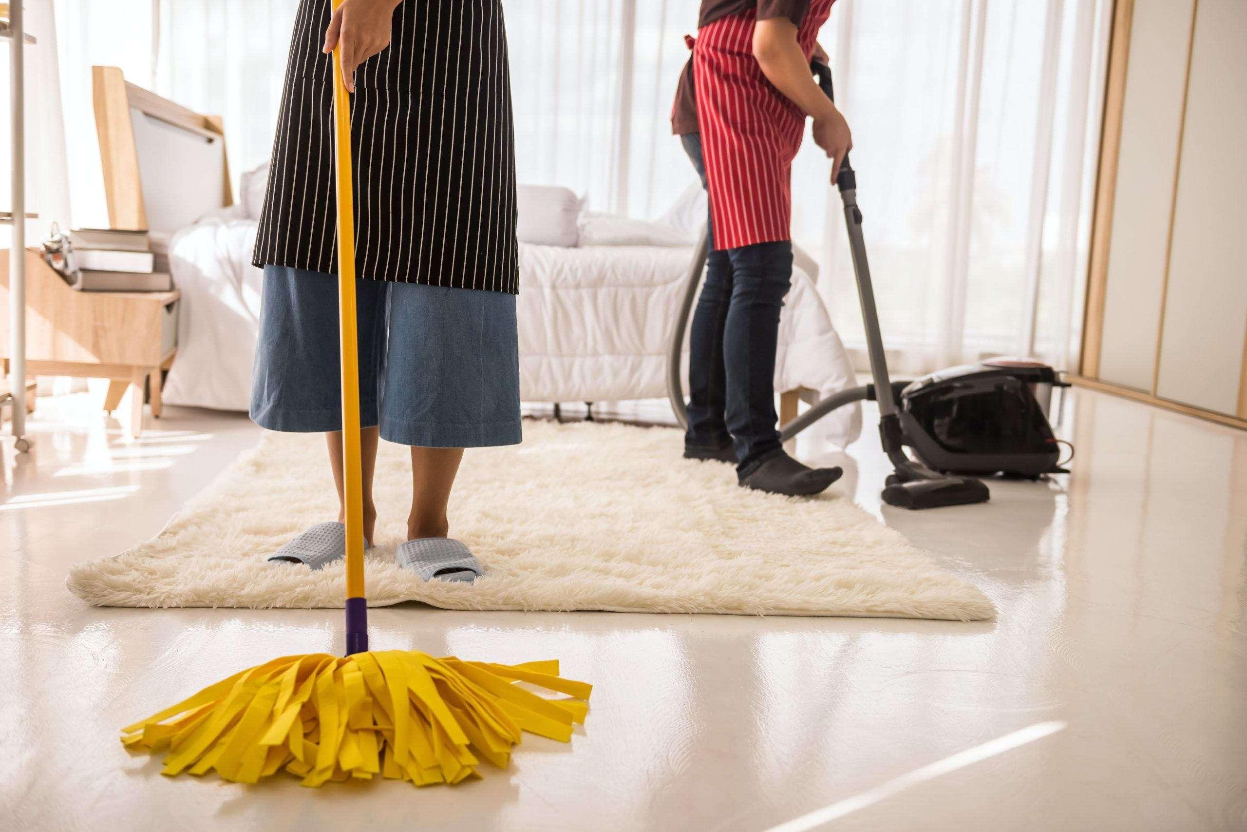 pulire-bene-casa-da-cima-a-fondo